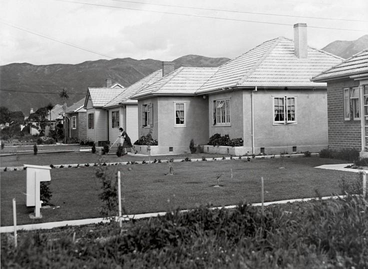86_Housing_body1-1600x1170